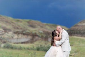 Nathalie Terekhova Calgary Wedding photographer Drumheller little church wedding
