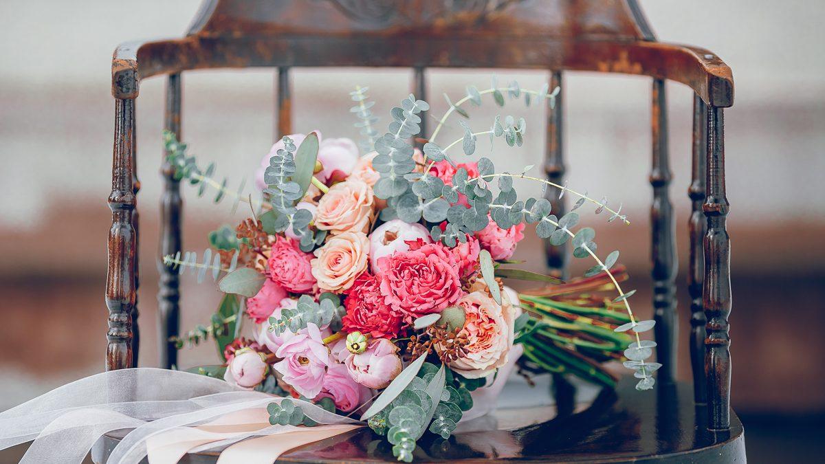 Winter wedding photographer Calgary Nathalie Terekhova Fine art photography Yes Darling florist
