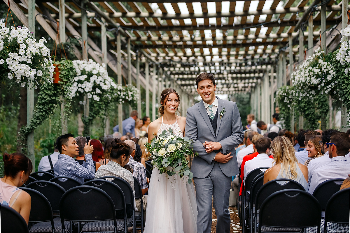 Calgary wedding photographer Nathalie Terekhova Saskatoon Farm greenhouse ceremony