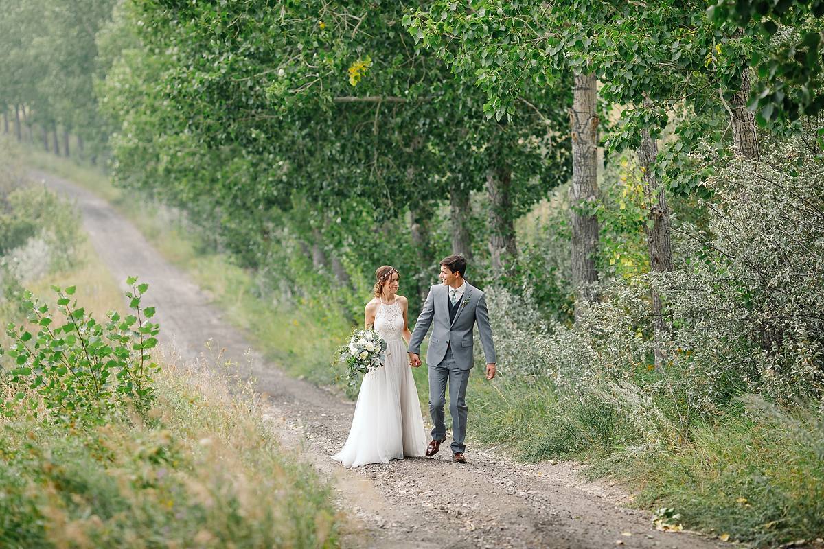 Calgary wedding photographer Saskatoon Farm